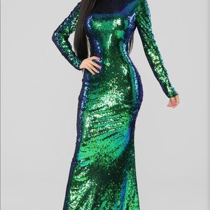 Long sleeve dress, V-cut, Prom, homecoming, formal